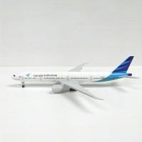Pesawat diecast miniatur Garuda Indonesia