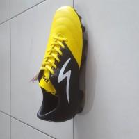 ORI sepatu bola specs storm19 warna kuning hitam 100%