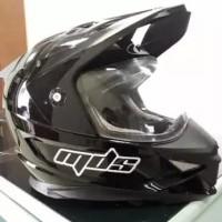 Helm mds supermoto kondisi masih bagus ukuran M fit L