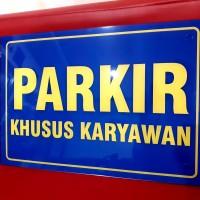 Akrilik Parkir Khusus Karyawan