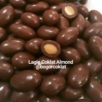Coklat Lagie Almond 500gr