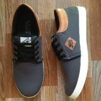 592da1d2185 Sepatu casual Vans denim grey brown limited edition VD6