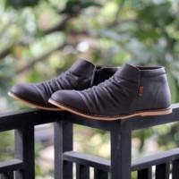 Sepatu Slip On Zipper / D-island Wrinkle Zipper Dark Brown