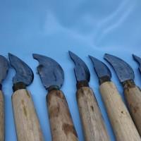 Pisau raut terbuat dari baja serkel pelubang bambu