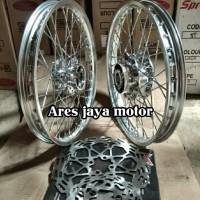 velg pariasi ring 17 silver untuk motor Suzuki Satria Fu