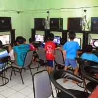 Lelang komputer bekas warnet game online
