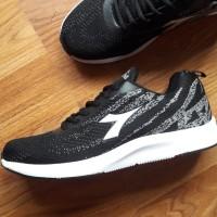 Jual Asli DIADORA LORENZO Sepatu Hitam Casual Sneakers ORIGINAL. KEREN Murah
