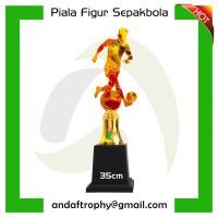 Piala/Trophy Figur Sepak Bola 35cm