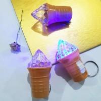 Gantungan Kunci Ice Cream Nyala Lampu / Souvenir sweet party es krim