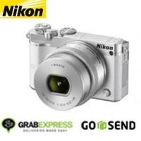 Harga nikon 1 j5 mirrorless digital camera kit 10 30mm pd zoo promo   Pembandingharga.com