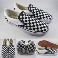 90acc0b571869 Sepatu Kets Vans Slip On Checkerboard Classics Black White Hitam Putih