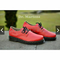 SEPATU FORMAL COWOK Sepatu boots Dr Martens Docmart low boots murah m 254bacab76