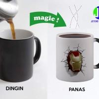 Gelas mug bunglon iron man custom logo mug magic, hadiah ulang tahun