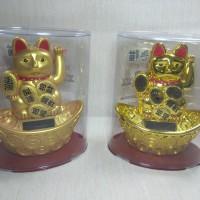 Pajangan Boneka Kucing Hoki Tenaga Solar