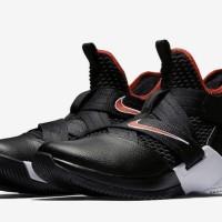 71c766395d5 Sepatu Basket - Nike Lebron Soldier XII SFG Bred - PRM
