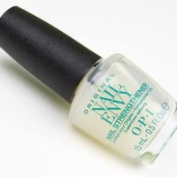 OPI Nail Envy Nail Strengthener with Color Bubble Bath (Vitamin Kuku)