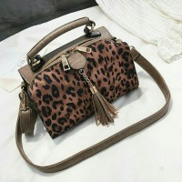 eb1f8874b2fd DP3318 Leopard Pillow Bag   Hand Bag Import