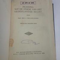 buku inleiding tot de studie van het nederlandse recht,buku lawas 1954