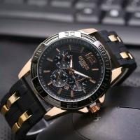 jam tangan pria keren Guess rosegold Black Rubber plat Black Quality