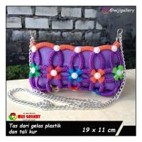 tas wanita handmade dari tali kur dan bibir gelas plastik