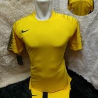 setelan futsal kuning batam /baju bola /baju futsal/seragam bola
