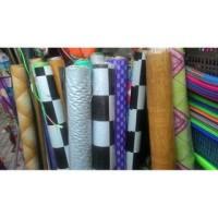 Harga grosir isi pergulung 20m karpet meteran taplak meja plastik motif | Pembandingharga.com