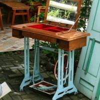 Meja rias induatrial dari mesin jahit singer jadul klasik antik unik