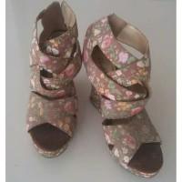 Sepatu Wedges Wanita motif Flower Preloved