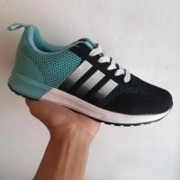 sepatu pria adidas terrex boost waterproof abu hijau ringan BCgolf485