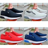 Adidas Slip on Sepatu Sneakers Running Gym Fitness Pria Paling Murah