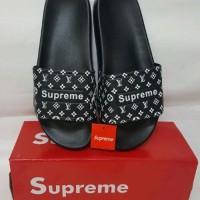 5b2298646fe2 Jual Sandal Supreme - Beli Harga Terbaik