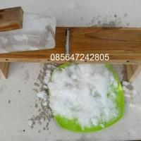 Serutan es dari kayu jati