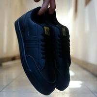 Sepatu Macbeth Kets / Triple Black / Olahraga Running Fitness Gym