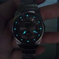 Jual jam tangan seiko quartz titanium second bekas original Murah