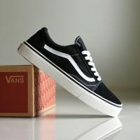 Sepatu Vans Old Skool Premium BNIB Hitam Putih   Sneakers Casual Pria 24cecc23f2