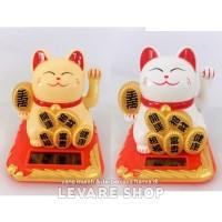 Boneka Solar Pajangan Patung Maneki Neko Lucky Cat - Kucing Hoki - M