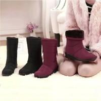 Sepatu bot salju musim dingin/winter snow boots women