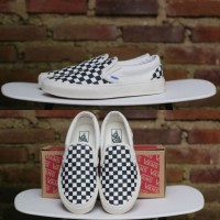 535bdd1f185 Sepatu Vans Slip On OG Checkerboard Black White BNIB Original Premium