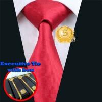 dasi kantor import untuk pria warna merah terang motif kotak kilap