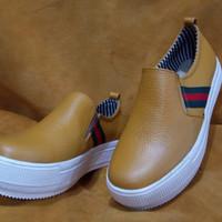 Terbaruuu sepatu slip on wanita kulit asli