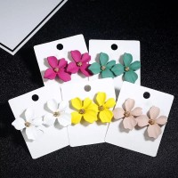 1 pasang anting Korea model bunga warna warni / flower earrings