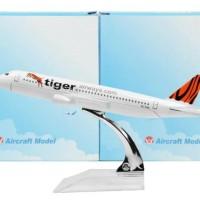Diecast Die Cast Miniatur Pesawat Singapore Tiger Airways Airplanes