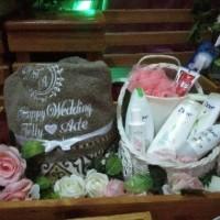 Paket Seserahan Handuk Couple Bordir Parsel Hantaran Pernikahan