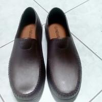 Sepatu Pantofel Karet Pria New Era MB 8007