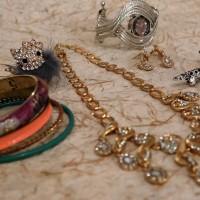 Harga jewelry set perhiasan accessories kalung anting cincin gelang jam | antitipu.com