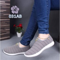 Sepatu Wanita Slip On Multi Line Sport - 031