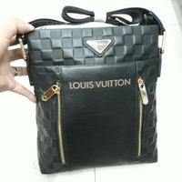 tas Selempang pria lv louis vuitton original leather
