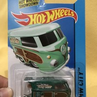 Hot Wheels Super Treasure Hunt Kool Kombi ( RARE )