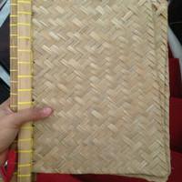 Kipas Hihid Anyaman Bambu Tradisional