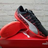 Sepatu Futsal Puma evoPower Vigor 4 Graphic IT Black 104459 01 Ori